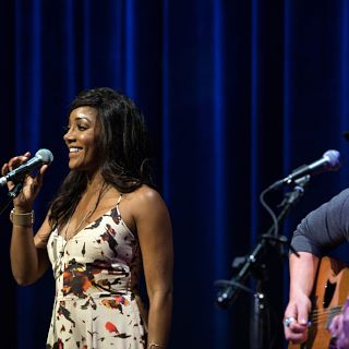 Mickey Guyton29- slideshow.jpg